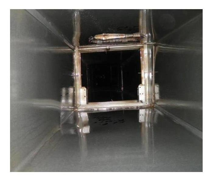 Air ducts inside of a commercial building clean